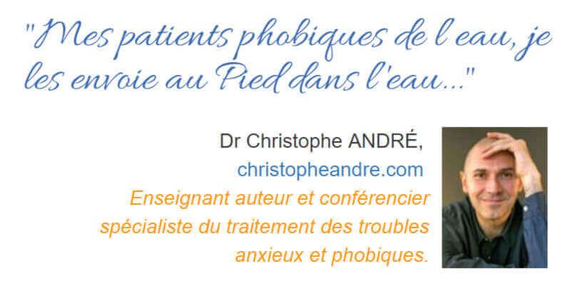 Christophe André recommande les cours du pied dans l'eau à ses patients phobiques de l'eau